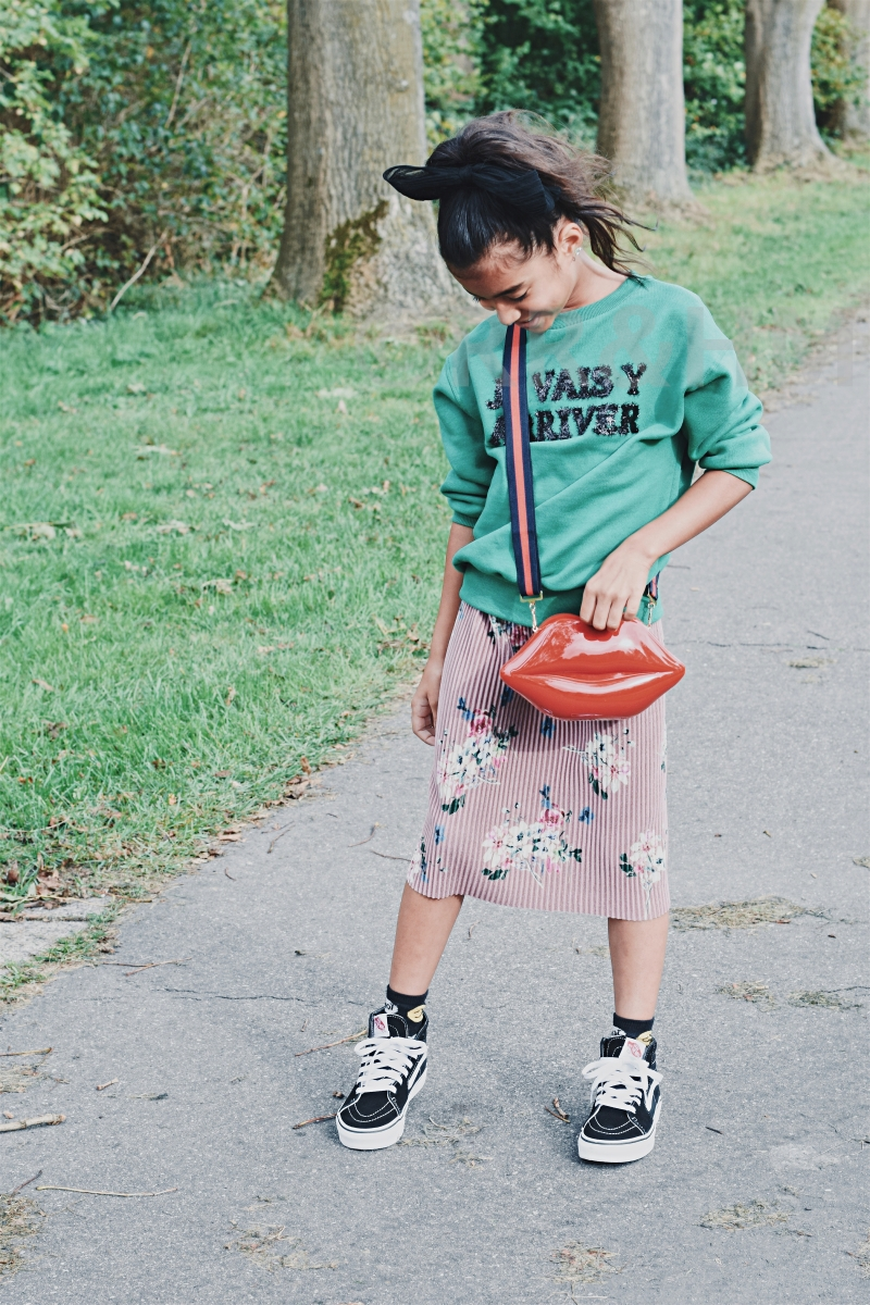 KIDS OUTFIT: COLOURFUL FALL